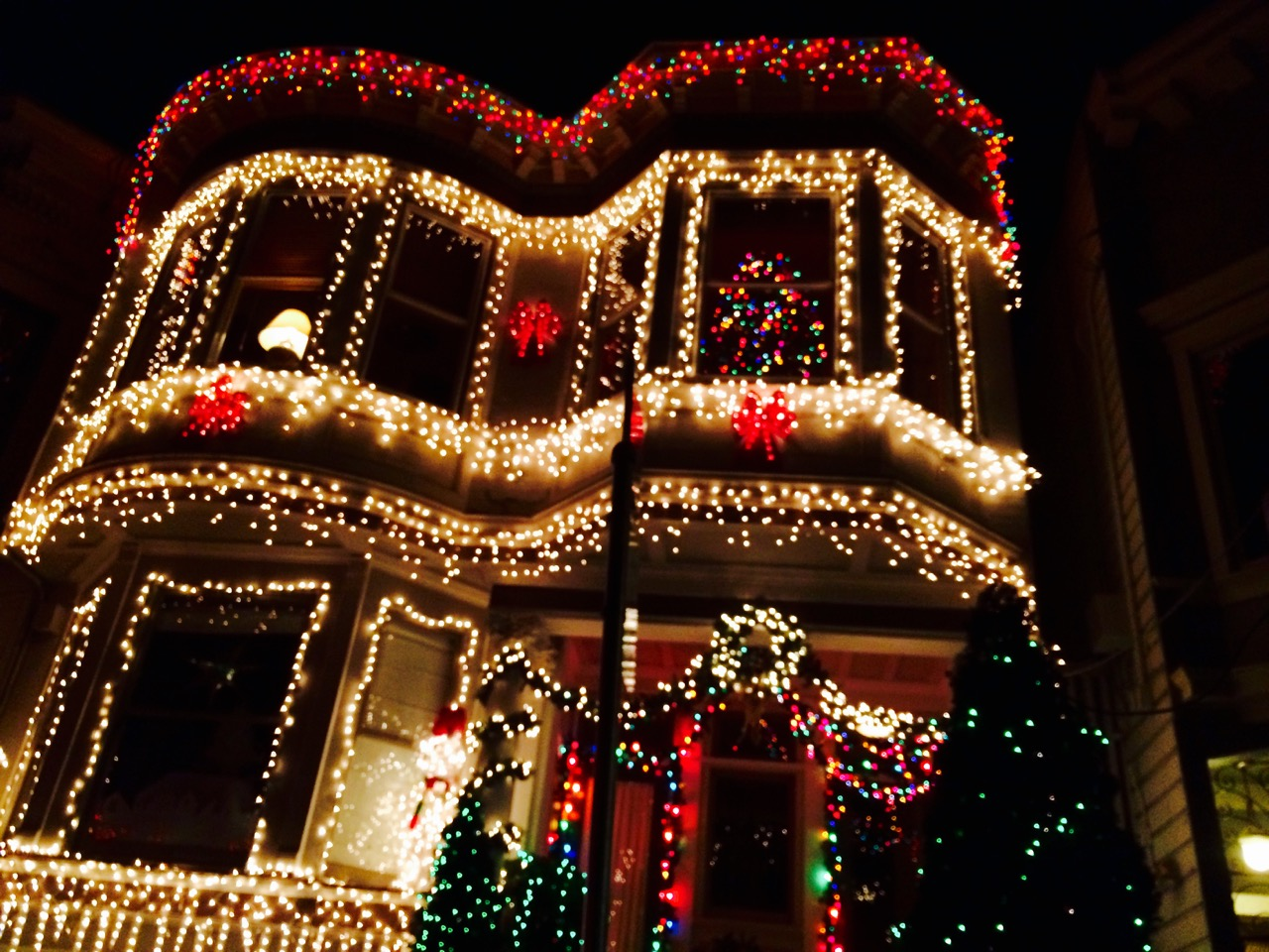 SF Victorian holiday decorations Hayes and Masonic