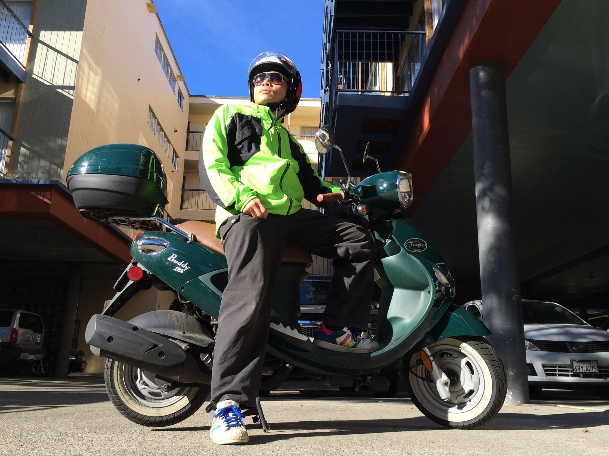 Rik on bella the wonderscooter