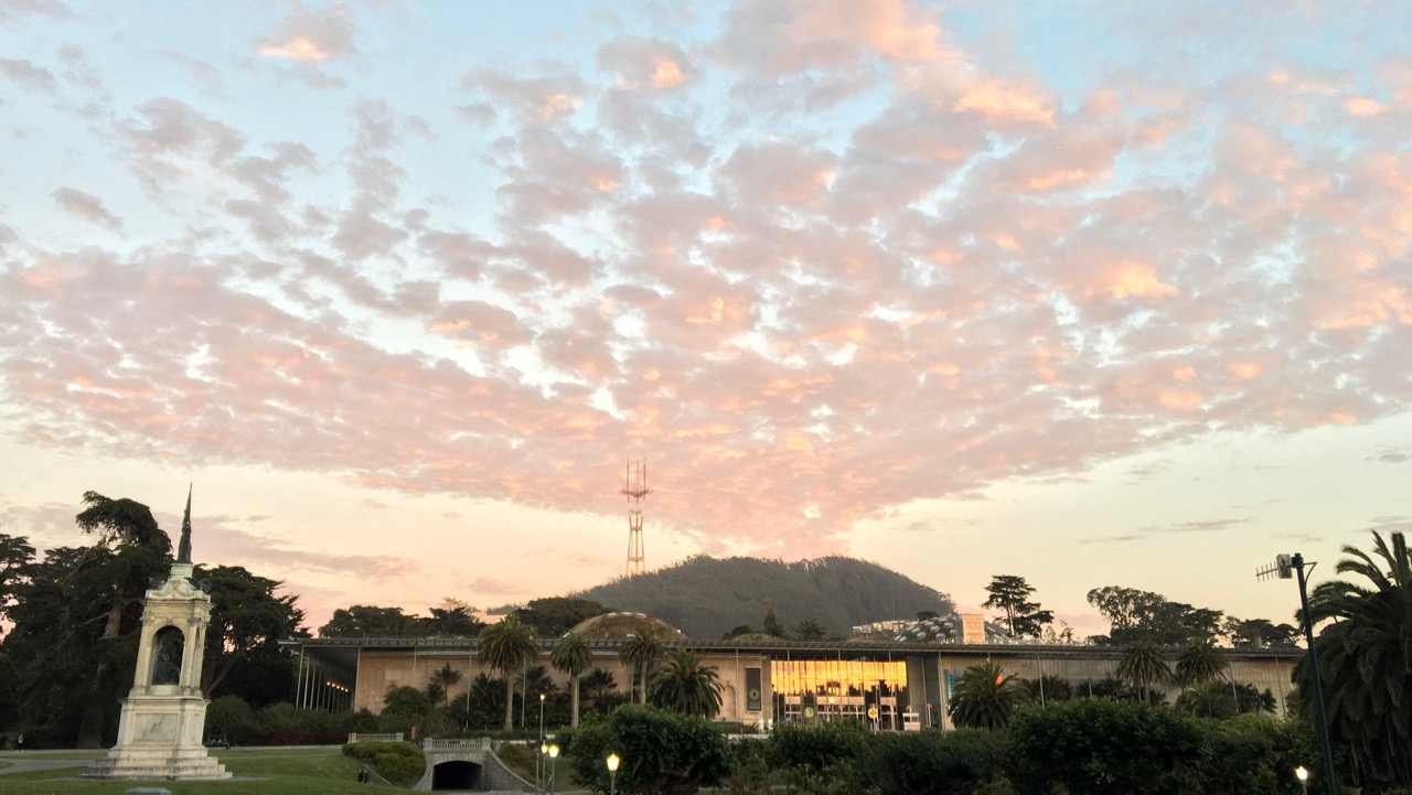 Clouds erupt from Mt Sutro