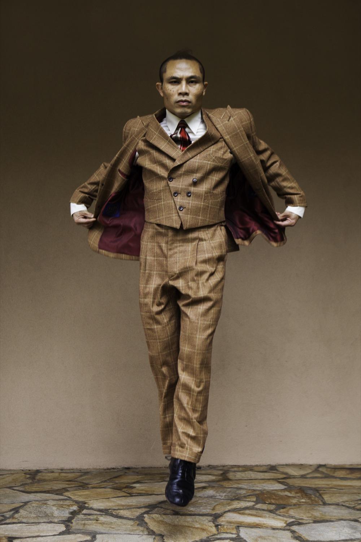 Rik levitating-1500